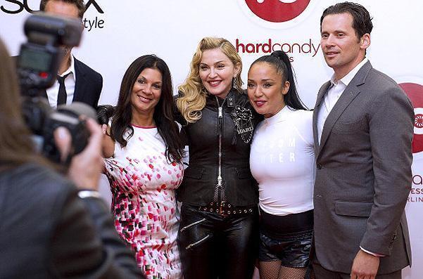 Мадонна открыла свой фитнес-клуб в Берлине