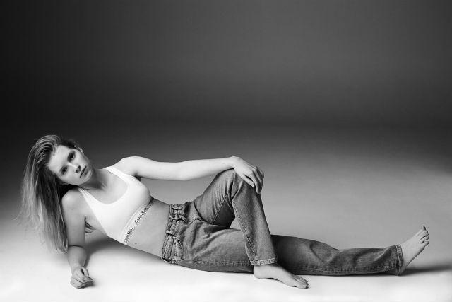 Лотти Мосс стала моделью для Calvin Klein