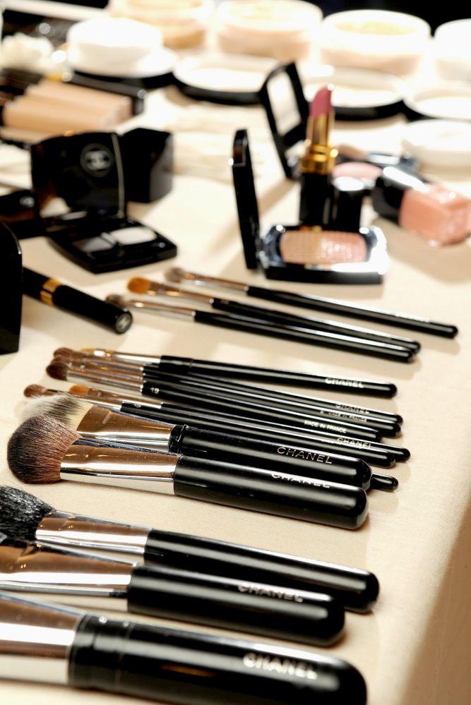 Кисти для макияжа от chanel