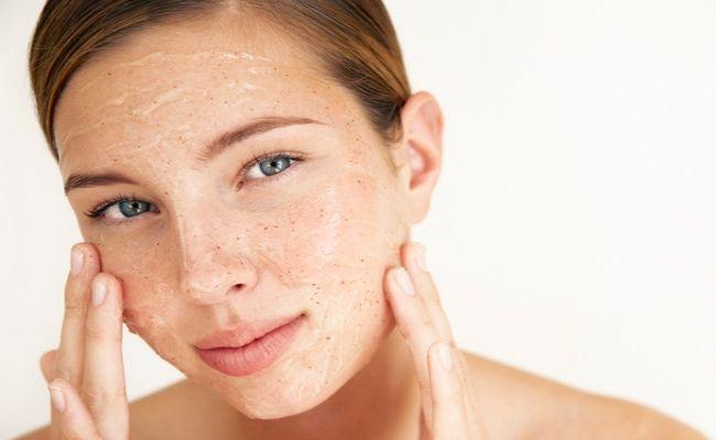 Как разгладить кожу после акне