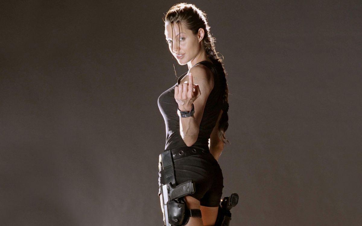 Анджелина джоли лара крофт фото